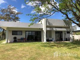 2 Habitaciones Casa en venta en , Guanacaste CASA PINK UP: Lakefront, Mountain and Countryside House For Sale in Tronadora, Tronadora, Guanacaste
