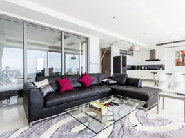 2 Bedrooms Condo for sale in Karon, Phuket The View