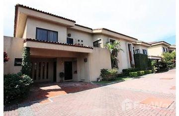 Countryside Condominium For Rent in San Rafael in , San José