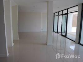 曼谷 Bang Chak Semi-detached Houses near Punnawithi BTS for Sale 4 卧室 别墅 售