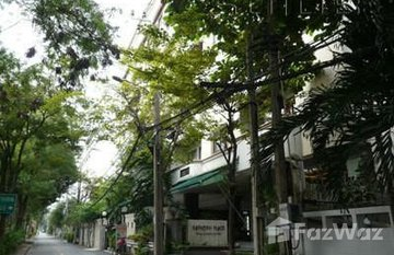 Sathorn Place in Thung Mahamek, Bangkok
