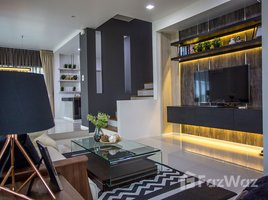 3 Bedrooms Property for sale in San Phak Wan, Chiang Mai Malada Maz