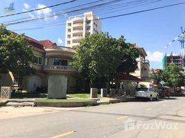 Studio Villa for sale in Boeng Kak Ti Pir, Phnom Penh Corner Villa & Land For Sale, Tuol Kork, 30mx40m, $3,500/sqm ផ្ទះវីឡា និង ដីកែងសំរាប់លក់, ទួលគោក, 30mx40m, តម្លៃ $3,500/ការេ