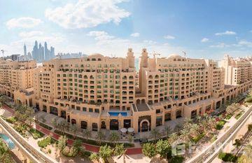 Golden Mile 6 in Shoreline Apartments, Dubai