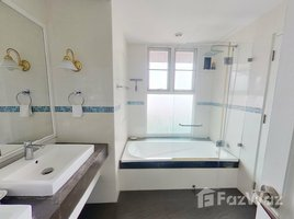 2 Bedrooms Property for rent in Khlong Toei, Bangkok Newton Tower