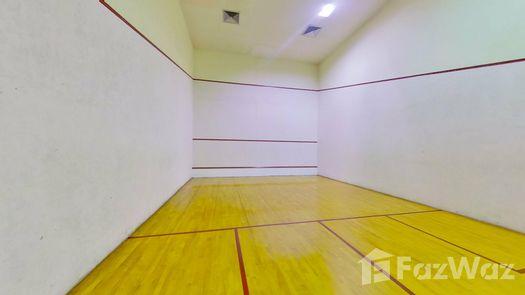3D Walkthrough of the Cour de squash at Ruamsuk Condominium