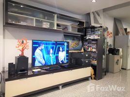 曼谷 Wat Phraya Krai Townhome 4 Storey For Sell In Chan Road 4 卧室 联排别墅 售