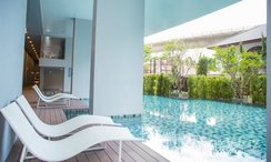 Photos 2 of the Communal Pool at Aspire Sathorn-Thapra
