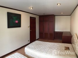 2 Bedrooms Condo for rent in Si Lom, Bangkok Diamond Tower