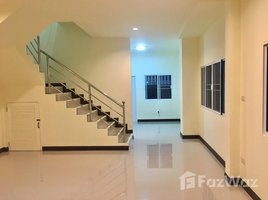 3 Bedrooms Townhouse for sale in San Na Meng, Chiang Mai Modern Townhome