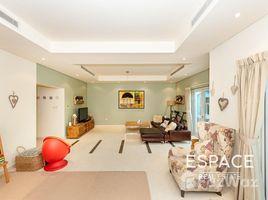 3 Bedrooms Villa for sale in North Village, Dubai Quortaj