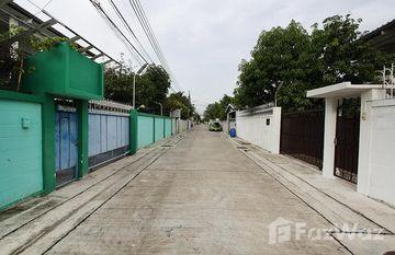 Baan Sor Panurangsri in Bang Ao, Bangkok
