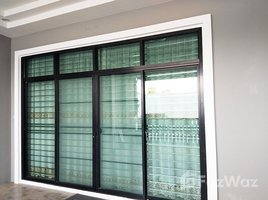 3 Bedrooms Townhouse for sale in Tha Kham, Songkhla Vor Land House Village