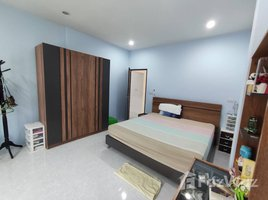 3 Bedrooms House for sale in Bo Phut, Koh Samui New 3-Bedroom Bangrak House with Large Garden on Quiet Soi