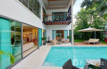 Vinzita Pool Villas in Si Sunthon, Phuket