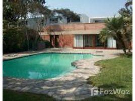 5 Habitaciones Casa en alquiler en La Molina, Lima Calle 13