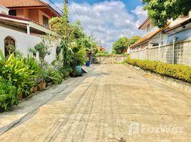 曼谷 Bang Chak Fully Renovated 4BR House in Phra Khanong 4 卧室 屋 售
