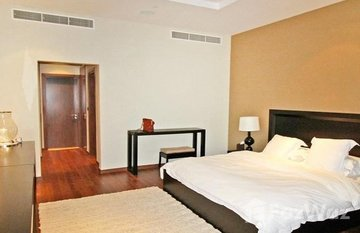 Oceana Residence in Golden Mile, Dubai