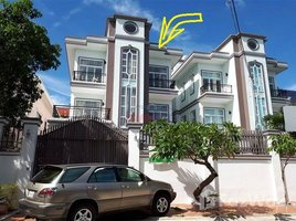 8 Bedrooms Property for rent in Boeng Kak Ti Pir, Phnom Penh 8BR Western Style Twin Villa For Rent In Toul Kork