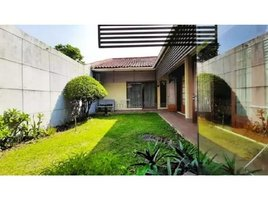 4 Bedrooms House for sale in Coblong, West Jawa sulanjana,maulana yusuf,trunojoyo,tirtayasa,ranggamalela,sawunggaling, Bandung, Jawa Barat