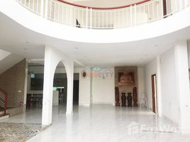 Studio Villa for rent in Phnom Penh Thmei, Phnom Penh Villa for Rent near AEON2