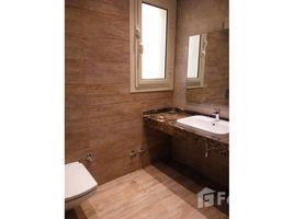 Giza Sheikh Zayed Compounds Royal Meadows 3 卧室 别墅 租