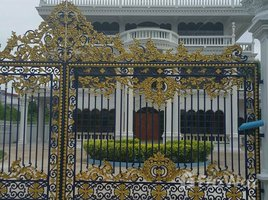 5 Bedrooms House for sale in Lam Phaya, Nakhon Pathom 4 Storey Luxury House in Lam Phaya for Sale