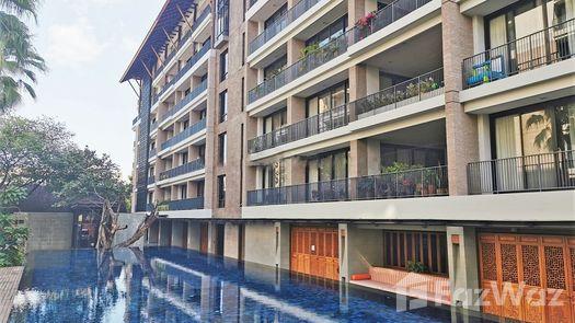 3D Walkthrough of the Communal Pool at Raveevan Suites