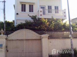 5 Bedrooms Villa for rent in Boeng Kak Ti Pir, Phnom Penh Mini Villa For Rent in TUOL KORK, 5 Bedrooms, Price: $1,200/m ផ្ទះវីឡាសំរាប់ជួលនៅទួលគោក, ៥បន្ទប់គេង, តម្លៃ $1,200/ខែ