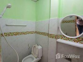 曼谷 Wong Sawang 2 Storey Townhouse near Wong Sawang MRT 2 卧室 联排别墅 租