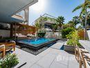 2 Bedrooms Apartment for sale at in Shoreline Apartments, Dubai - U723492