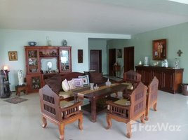 5 Bedrooms Villa for sale in Nong Prue, Pattaya 2-Storey House with Private Large Garden in East Pattaya