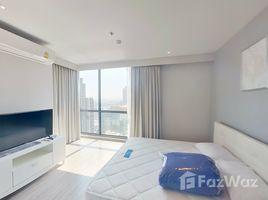 2 Bedrooms Condo for rent in Khlong Tan Nuea, Bangkok Rhythm Ekkamai