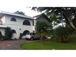 San Jose San Rafael de Escazu: Beautiful house for rent of contemporary architecture, with large green areas,, Guachipelín, San José 4 卧室 房产 租