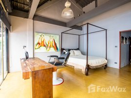 2 Bedrooms Property for sale in Si Phum, Chiang Mai Funky Old City Townhome