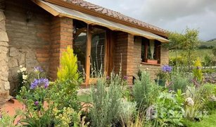 2 Habitaciones Casa en venta en Otavalo, Imbabura