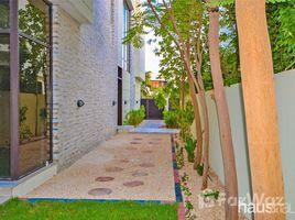 迪拜 Akoya Park Bright and Spacious   Landscaped Garden   Upgraded 5 卧室 别墅 租