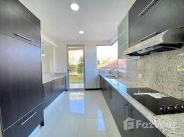 3 Habitaciones Apartamento en alquiler en , San José Contemporary Apartamento for Rent with Garden Piedades Santa Ana
