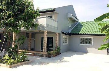 Prueksachart Village 118 in Saphan Sung, Bangkok