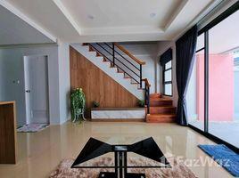 2 Bedrooms Townhouse for sale in Bang Sao Thong, Samut Prakan Baan Thananda Theparak Km.24