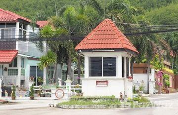 Eak Thanee in Phlu Ta Luang, Pattaya