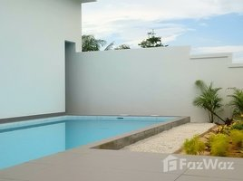 2 Bedrooms Villa for sale in Thep Krasattri, Phuket Mission Heights Village