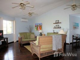 3 Habitaciones Casa en venta en , Islas De La Bahia Poolside Home in Town