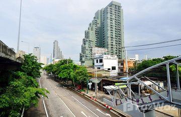 TEAL Sathorn-Taksin in Khlong Ton Sai, Bangkok