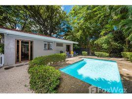2 Habitaciones Casa en venta en , Guanacaste Casa Serenity: Recently Renovated, Walk to Beach, Private Pool, Playa Potrero, Guanacaste