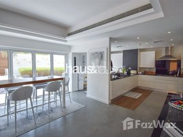 Вилла, 4 спальни на продажу в La Avenida, Дубай Stunning immaculate upgraded and extended villa.