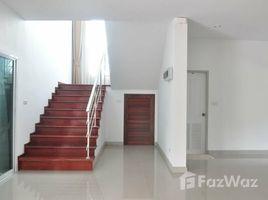 5 Bedrooms House for sale in Sila, Khon Kaen Stunning 2 Storey House in Mueang Khon Kaen