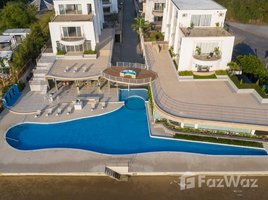 3 Bedrooms Condo for sale in Na Chom Thian, Pattaya La Royale Beach