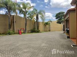 3 Habitaciones Apartamento en venta en , San José For sale large and well maintained house in high growth area in Rhormoser