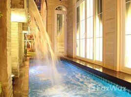 4 Bedrooms Villa for sale in Khlong Toei, Bangkok 4 Bedroom Private Pool Villa Near Benjakiti Park